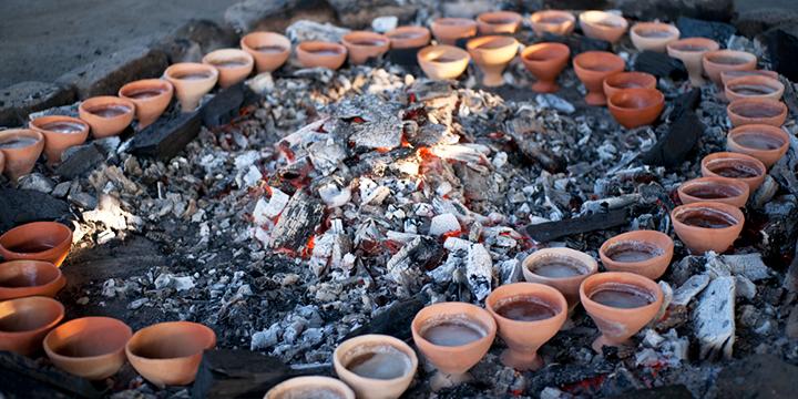 제염 토기에 의한 고대의 조 소금 만들기