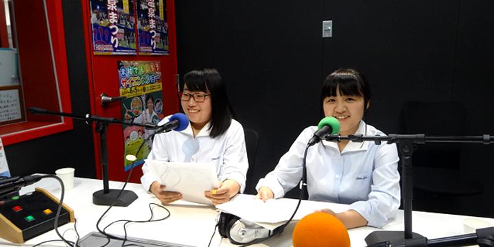FM 하쓰카이치에서 레시피의 실용화를 PR하고 있는 모습