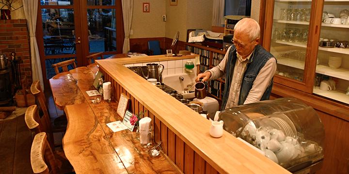 泡味道好的咖啡的山中