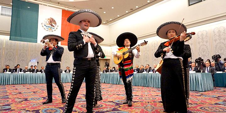 멕시코 선수단 캠프 수입·교류 현 전체 추진 회의의 모습